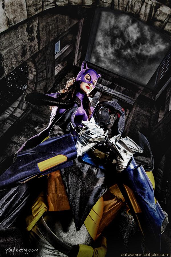 Catwoman versus Azrael